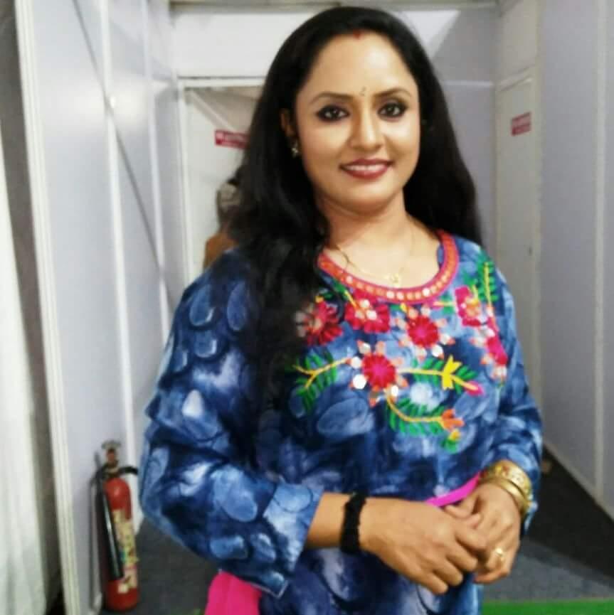 Nisha sarang malayalam film and serial actress profile for Nisha bano husband name