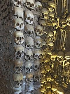 Blog 'lugares de memória'- matéria Capela dos ossos - Foto Sylvia Leite
