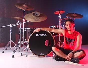 drummer terbaik dan terhebat di indonesia sebilas inpo. Black Bedroom Furniture Sets. Home Design Ideas