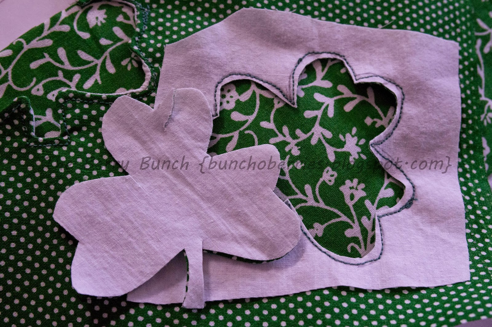 The Berry Bunch: Happy St. Patrick's Day: Shamrock Cut Out Mug Rug Tutorial