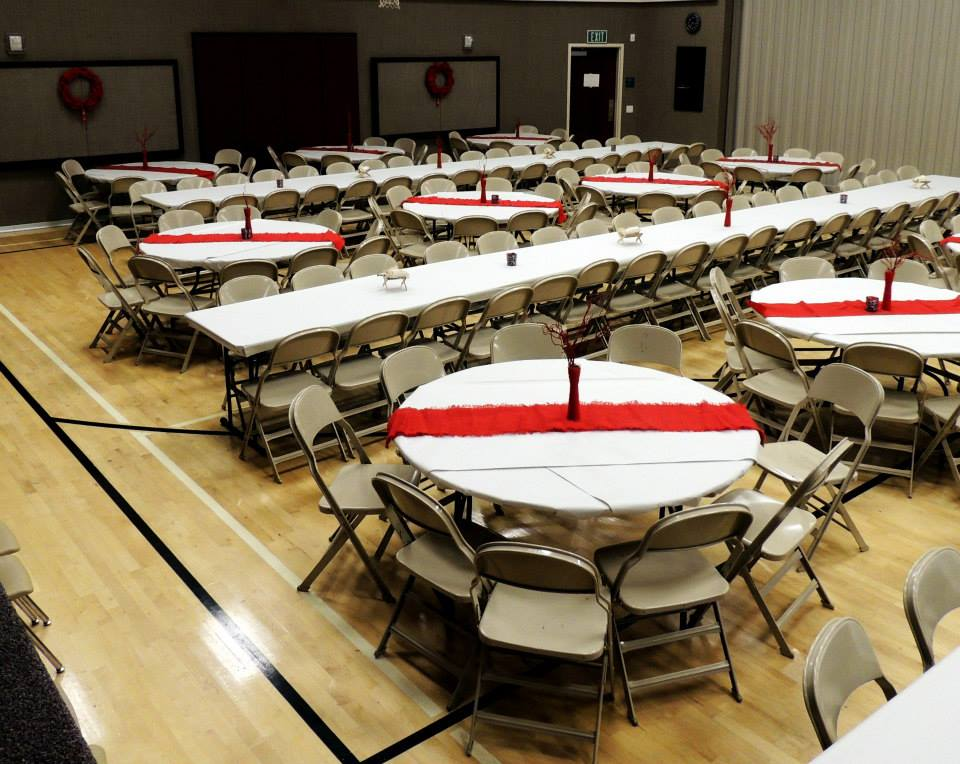 Lds Christmas Party Ideas Part - 29: For Decorations We Bought Rolls Of Plain Newsprint Paper From The Local  Paper For $7 A Roll. Then We Re-used Some Red Burlap From Previous Years As  Table ...