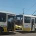 Engavetamento entre três ônibus no acesso para ponte Igapó