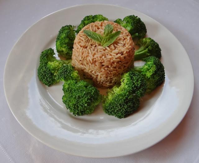 Ryż brązowy z brokułem