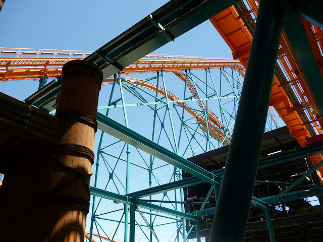 roller coaster at six flags california