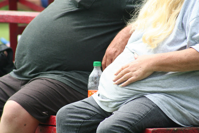 A new study finds Obese people are more likely to survive heart operations than healthy and underweight people