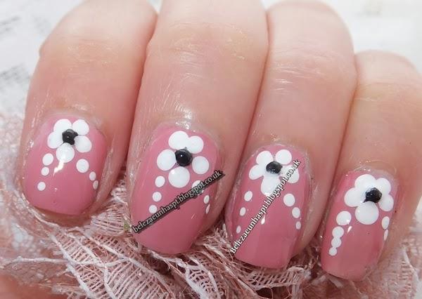 Unhas DecoradasFlor Nail Art