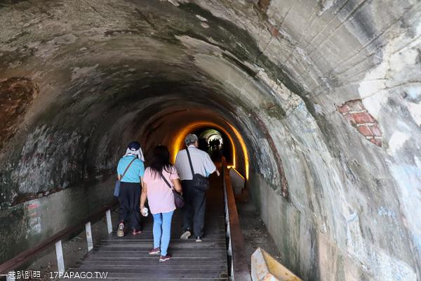 高雄旗津老街|星光隧道|旗后觀光市場|踩風大道|散步吹海風賞海景