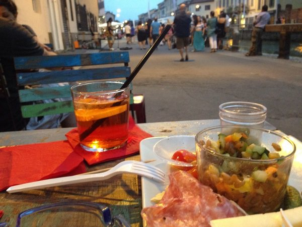 Bar Luca e Andrea drink with snacks for aperitivo in Navigli Milan