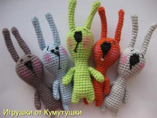 Вязаные крючком зайчишки-миники