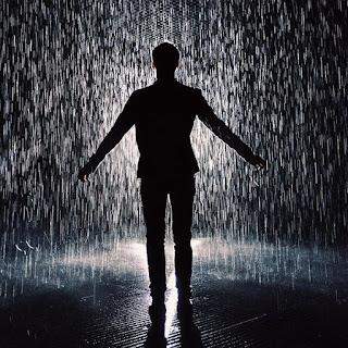Boy In Rain - Valobasa