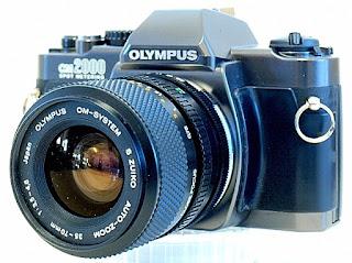Olympus OM-2000, Left Front