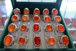 Batu Bacan Obi Merah Kristal