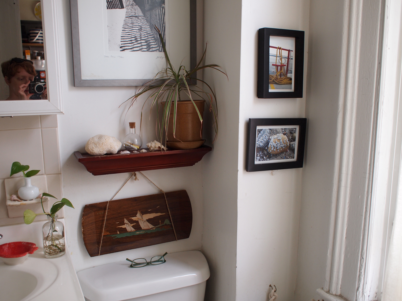Nest: Nautical Lamp Re-Vamp & Beachy Bathroom Decor