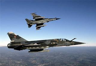 Αεροπορική επιδρομή εξαπέλυσε το Ισραήλ εναντίον στόχων της Χαμάς
