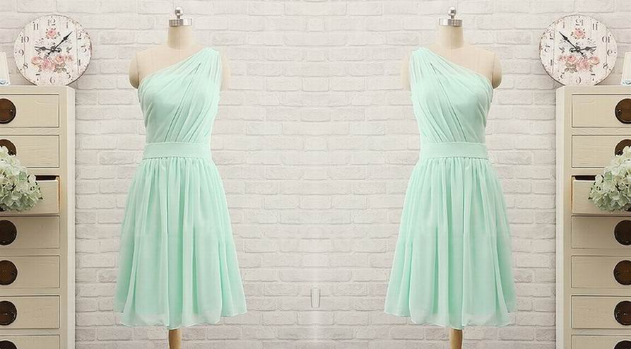 http://uk.millybridal.org/product/promotion-knee-length-chiffon-with-ruffles-one-shoulder-bridesmaid-dress-ukm01012741-16806.html?utm_source=post&utm_medium=1446&utm_campaign=blog