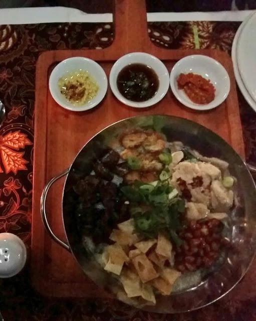 signature dish bubur goreng di bwp cawang