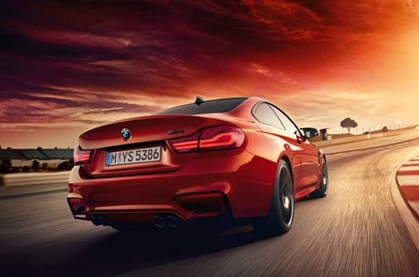 New 2017 BMW M4 Coupe, Convertible and BMW M3 Sedan Spectacular Drifts