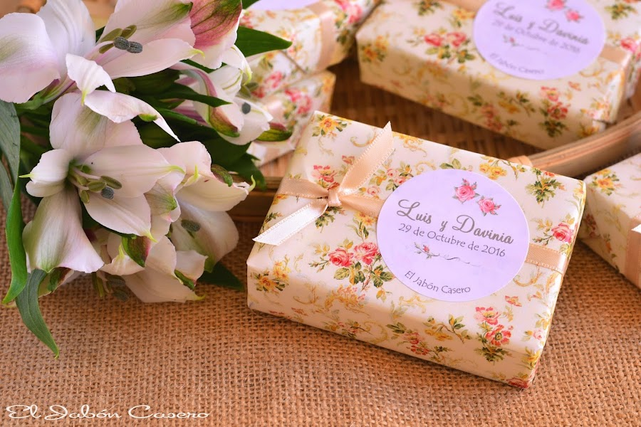 detalles de boda romantica jabones florales