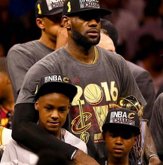 Photos: LeBron James Poses With Wife & Kids After Winning First NBA Champ For Cleveland In 52 ...