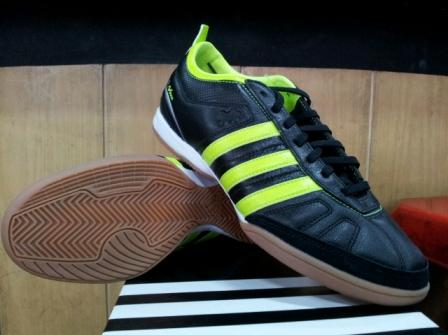 36c89d040 Sepatu Futsal Adidas Adinova IV IC - Black Electricity White ~ kios ...