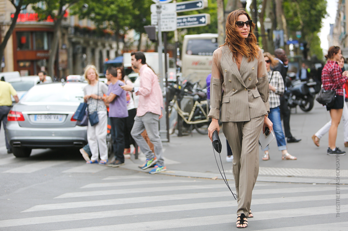 Street-Fashion-Trends-Around-with-Ece-Sükan-Paris-HD-Images