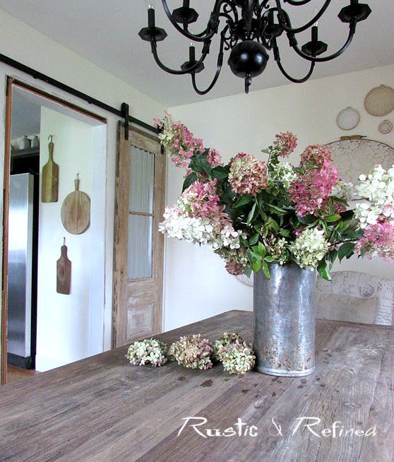 Farmhouse Decorating @ rustic-refined.com