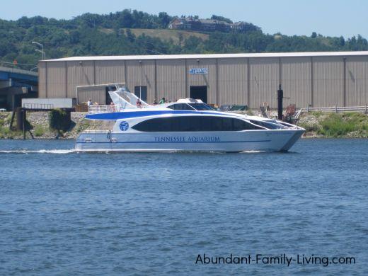Tennessee Aquarium Boat Ride