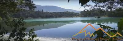 Gambar Telaga Warna Dataran Tinggi Dieng Plateau