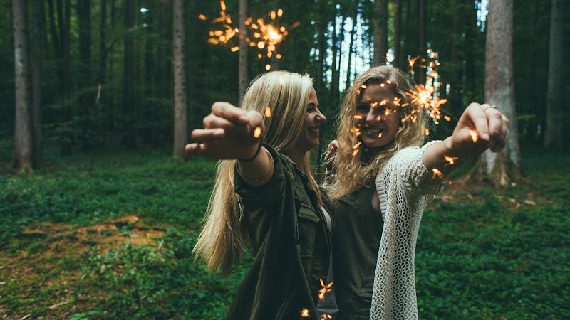 Girls with Fireworks HD