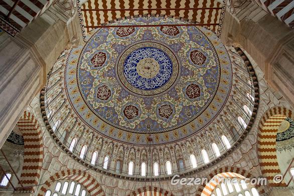 Selimiye camisinin simgelerinden tek parça halindeki kubbesi, Edirne