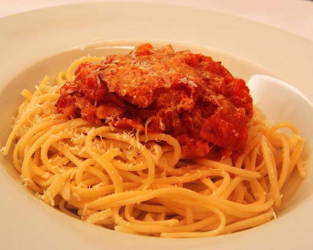 Espagueti a la Amatriciana (Espaguetti all´Amatriciana)