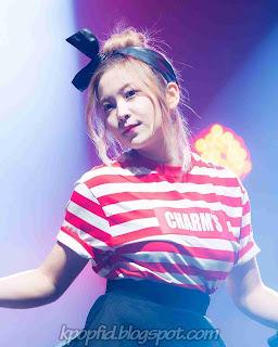 Foto Yeri Red Velvet dance di panggung