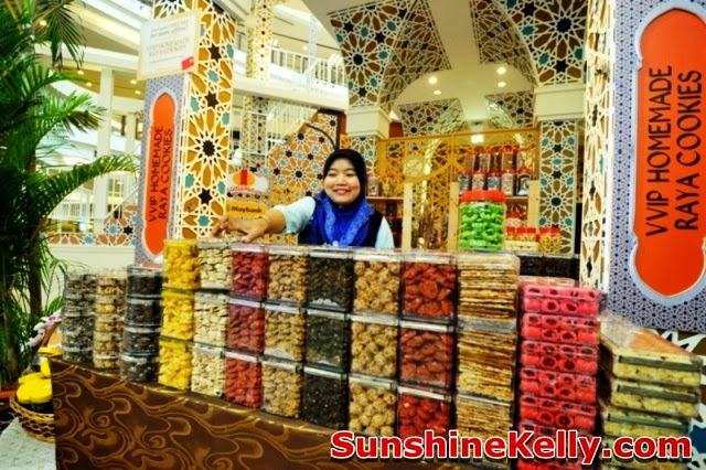 1 Utama, Pillars of Celebration, raya decoration at the mall, stall, malay kuih