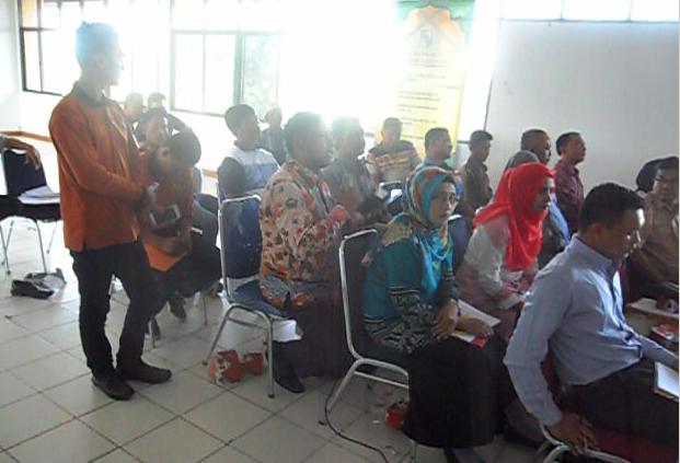 Ketua Bawaslu Riau memberikan saran dan masukan kepada forum