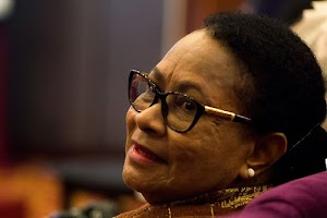 Yohana Yembise, Menteri Perempuan Paling Memikat dari Papua