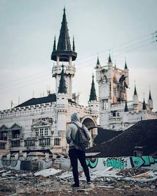 Bangunan Mirip Disneyland di Jogja