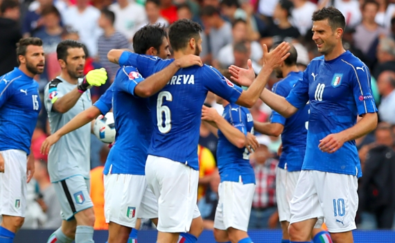 Italy will look to break down World Champions Germany when they clash on Saturday.