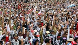 Mulai Tahun 2017 Honorer Dan PTT Akan Dinaikan Jadi PNS