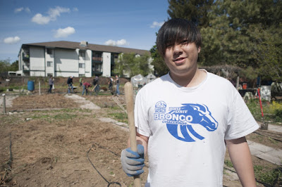 Service-Learning students, Chunkit Li, Boise Urban Garden School, Franklin Rd, Photo Patrick Sweeney