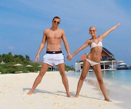 голы девушки с мужем фото