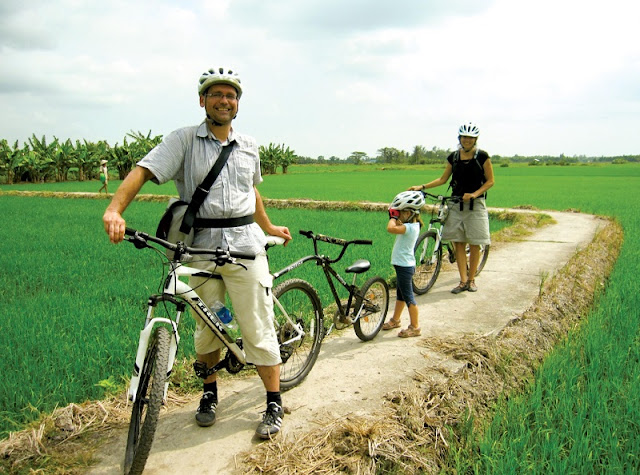 Vietnam tour, a quick guide on the places to visit in the land of wonderful nature and culture 2