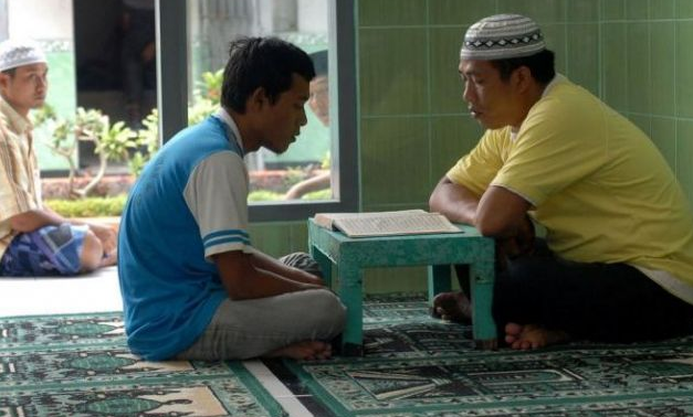 Kentut Ketika Membaca Al Quran, Bagaimana Hukumnya?