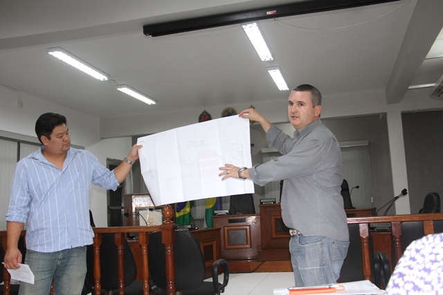 PROJETO DA CONSTRUÇÃO DO CENTRO DE EVENTOS FOI APRESENTADO PELO PREFEITO GERALDINO JÚNIOR AO COMTUR