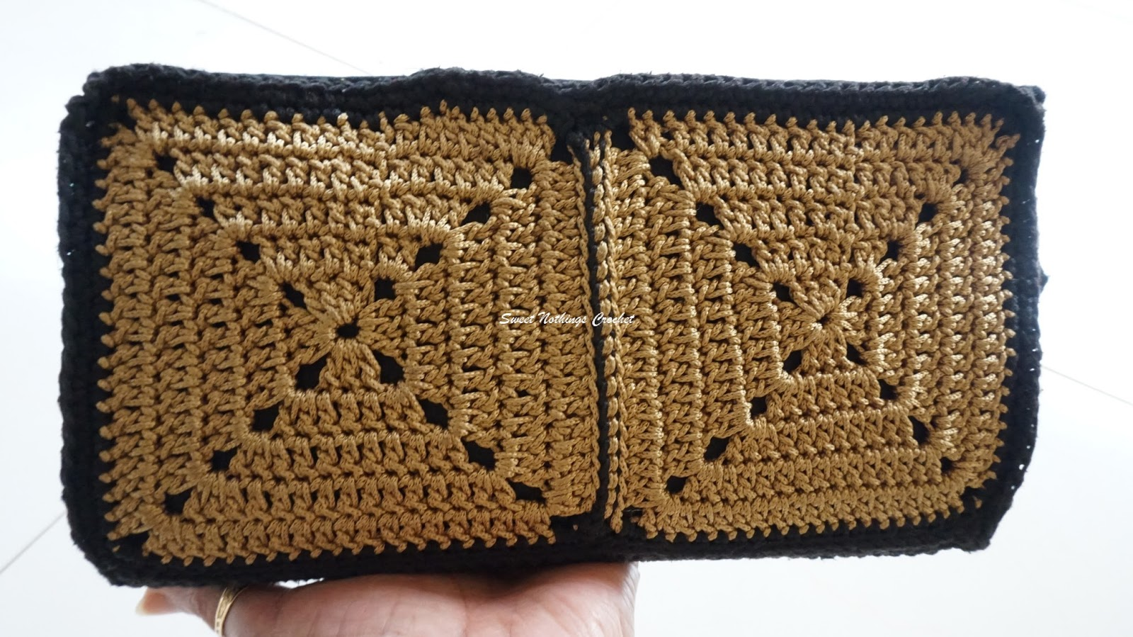 Sweet Nothings Crochet: GRANNY SQUARE WALLET