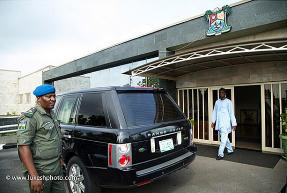 1 Photos of Fasholas last day in his office as Governor of Lagos state
