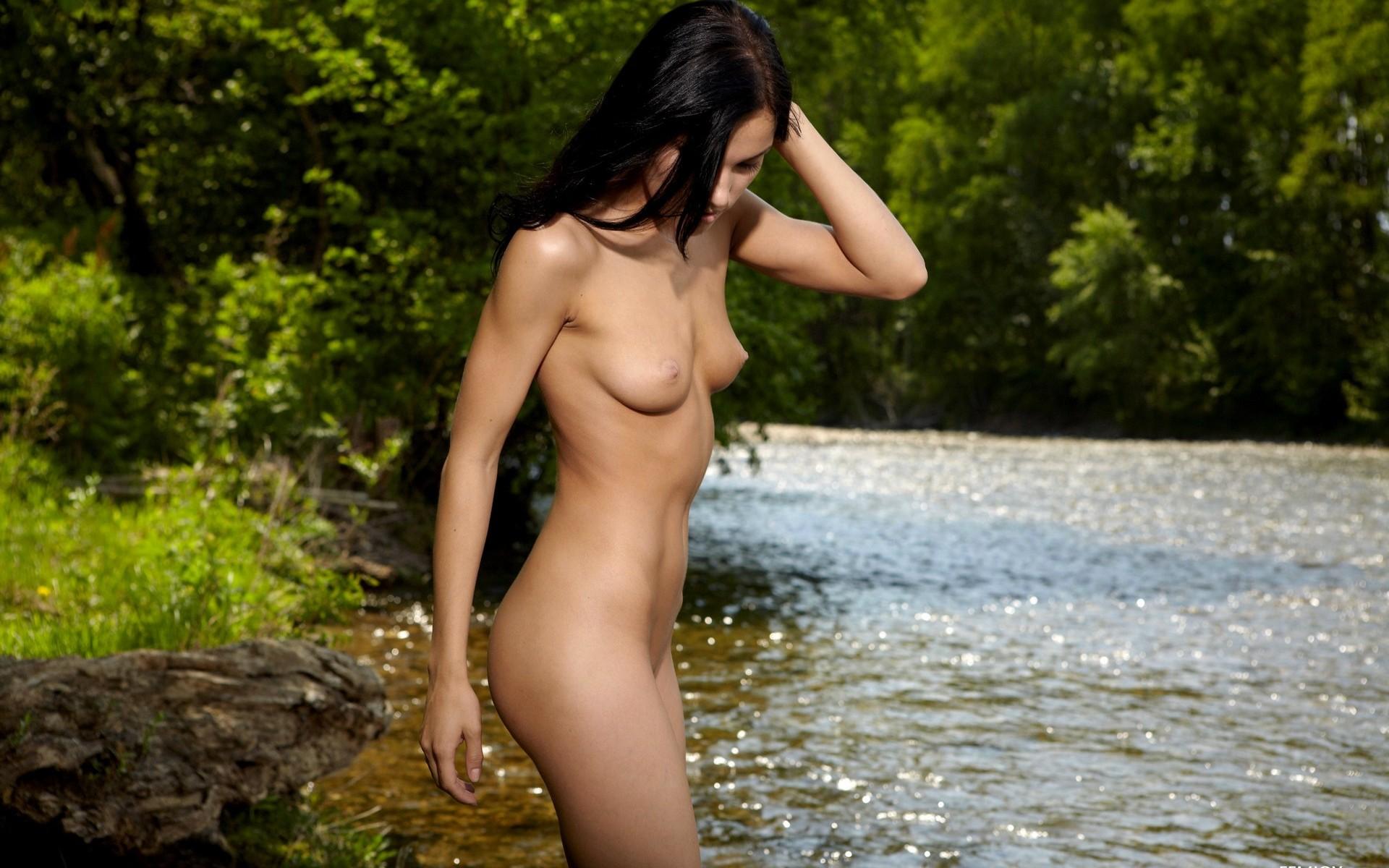 Фото девушек голых название сайта, Откровенные фото обычных девушек секс фото и порно 7 фотография