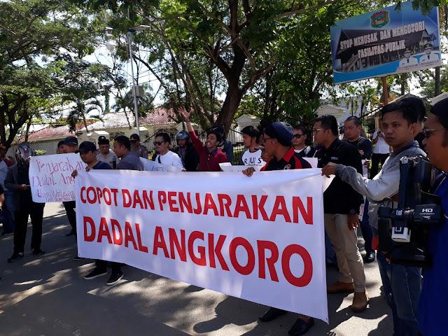 Foto Demonstrasi Aliansi Wartawan Sulbar (AWAS)