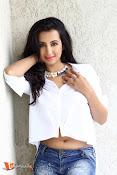Sanjana Glamours Stills-thumbnail-7