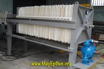 Máy ép bùn khung bản sử dụng bơm màng khí nén để bơm bùn