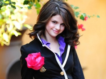 Selena Gomez Hot Wallpapers Disney Star Selena Gomez Pictures amp Photos glamour images